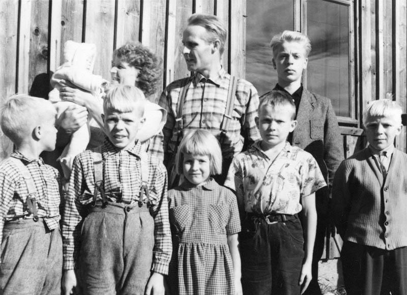 S-VK-1705W - Jussi Salmelan perhe