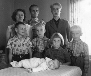 S-VK-1706W - Jussi Salmelan perhe 2
