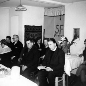 S-VK-1052W - Laina Salmelan hautajaiset