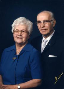 S-VK-1139W Sulo ja Siiri Salmela - Siirin 70-vuotiskuva