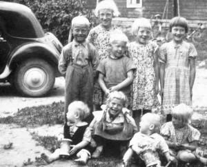 S-VK-1404W - Taiton lapset ja lasten kaverit