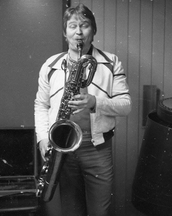 S-VK-1713W - Jorma Salmela ja saksofoni