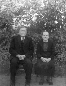 S-VK-4186W Juho Kasperi ja Ateliina Salmela vanhoilla päivillä