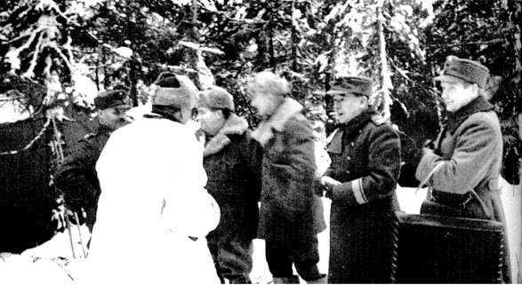 S-VK-S1007W - Luutnantti Alfred Salmela kenraalimajuri Hägglundin adjutanttina