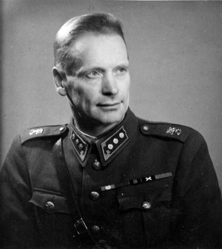 S-VK-S1009W - Kapteeni Alfred Salmela
