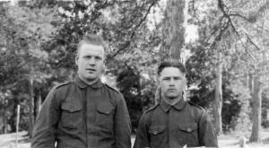 S-VK-S4230W - Martti Salmela ja sotatoveri