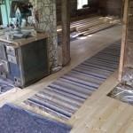 Valmista lattiaa keittiössä